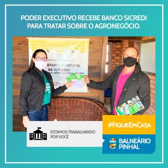 Executivo recebe banco Sicredi
