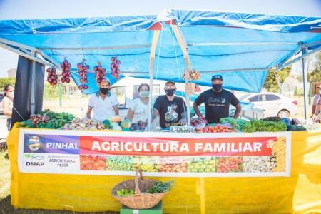 BANCA DA AGRICULTURA FAMILIAR NA FEIRA LIVRE
