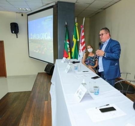 Prefeita participa de reunião de trabalho em Capão da Canoa