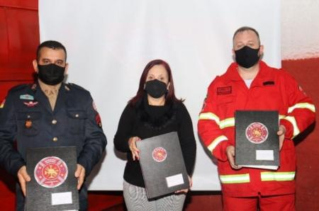 Perfeita Marcia Tedesco participa de entrega de sede aos Bombeiros Voluntários